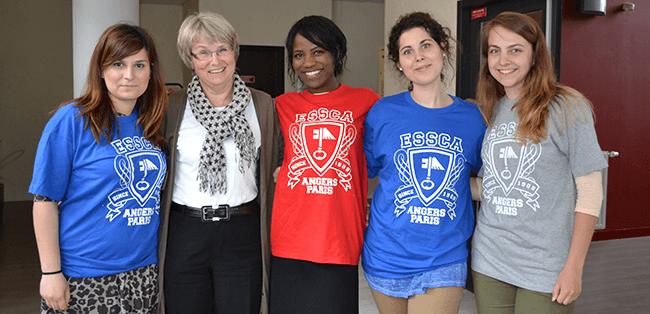 Etudiants Internationaux avec Carol Chaplais, directrice du Programme International ESSCA