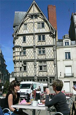 Place Ste Croix - Angers