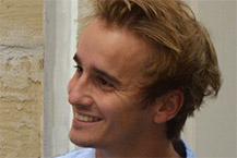 """Un jeune diplômé de l'ESSCA, Edouard Roy (2014) crée """"You2You"""" pour faciliter les livraisons entre particuliers et professionnels"""