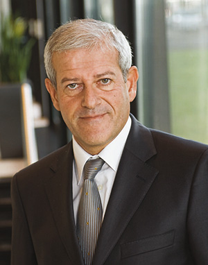 Frank CADORET (ESSCA 1980) Directeur Général France de Canal+